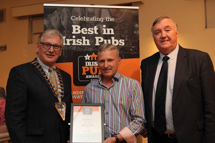 General Manager Barry Tierney accepts the award for Best Food Pub in the regional Irish Pub Awards 2017